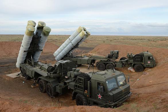 Mỹ dụ Ấn Độ mua tên lửa Mỹ thay thế tên lửa Nga - Ảnh 2.