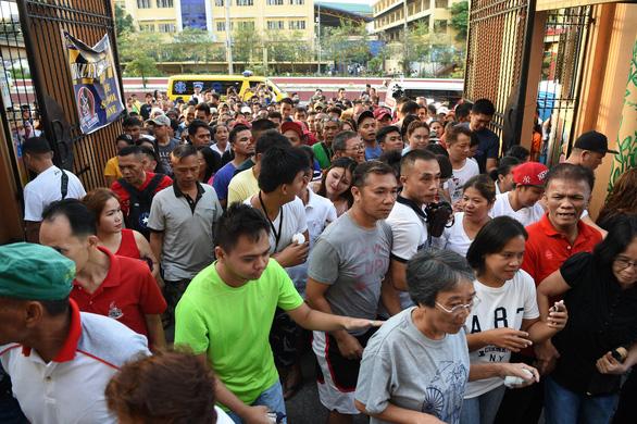 61 triệu cử tri Philippines đi bầu cử giữa kỳ - Ảnh 1.