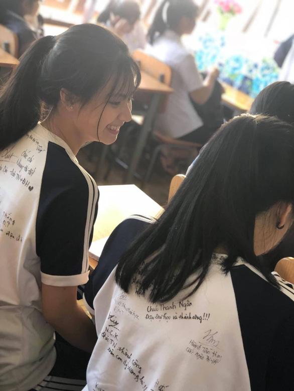 Chúc nhau viết lên áo để nhớ mãi tuổi học trò - Ảnh 8.