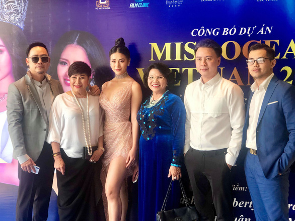 Ì xèo chưa rơi vào quên lãng, Hoa hậu Đại dương Việt bơi qua Mỹ - Ảnh 2.