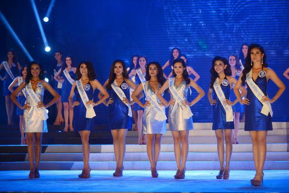 Ì xèo chưa rơi vào quên lãng, Hoa hậu Đại dương Việt bơi qua Mỹ - Ảnh 3.