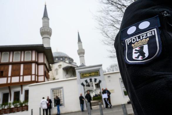 Ngăn tài trợ nước ngoài cho Hồi giáo, Đức xem xét đánh thuế đền thờ - Ảnh 1.
