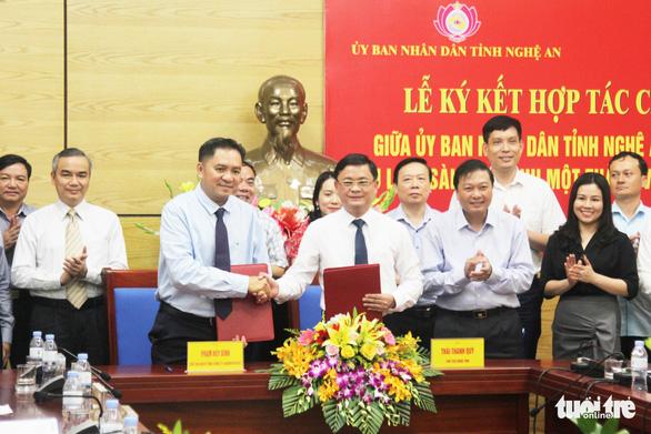 Saigontourist hợp tác chiến lược nhiều lĩnh vực với tỉnh Nghệ An - Ảnh 1.