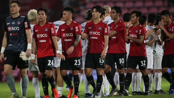 Đồng đội của Văn Lâm ở Muangthong United bị yêu cầu cấm cửa ở Kings Cup 2019 - Ảnh 1.