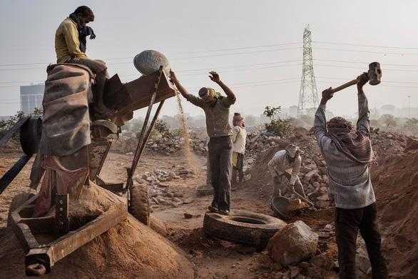 Liên hiệp quốc: Thế giới đang sử dụng cát nhiều khủng khiếp - Ảnh 1.