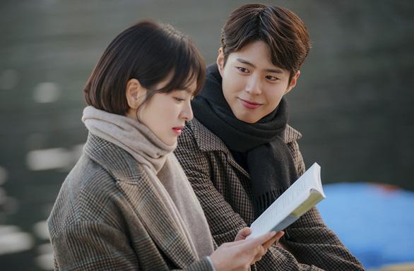 Song Hye Kyo trở lại màn ảnh nhỏ với Bạn trai - Ảnh 1.