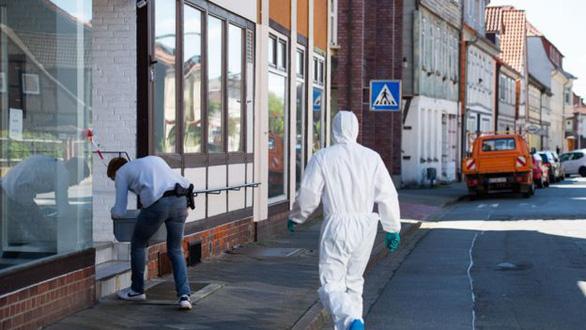 Thảm sát bằng nỏ bí ẩn ở Đức, 5 người chết - Ảnh 2.