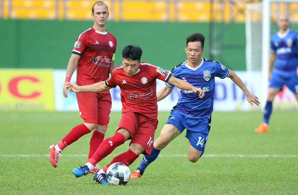 Sợ mất học trò ông Park, CLB TP.HCM bỏ gần 9 tỉ đồng ký hợp đồng gia hạn 3 năm - Ảnh 1.