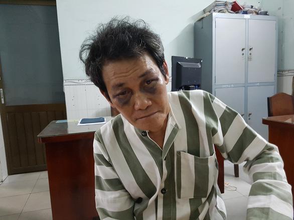Bắt khẩn cấp gã đàn ông 63 tuổi nghi dâm ô bé 7 tuổi ở quận Bình Tân - Ảnh 1.