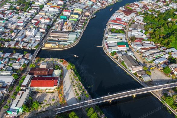 Ô nhiễm trên sông Cái Lớn: Thủ phạm chính là nhà máy đường - Ảnh 1.