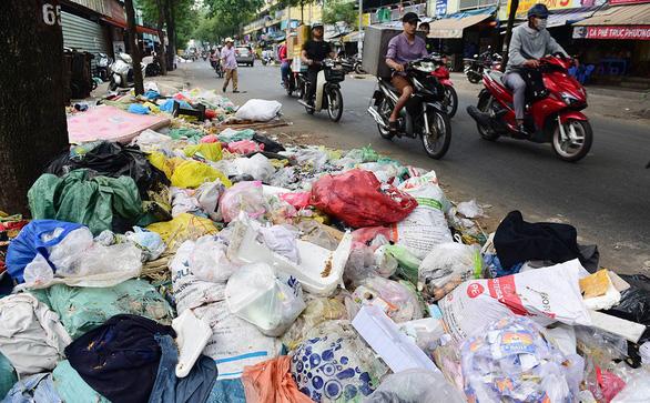 Sốt ruột với rác và phân loại rác - Ảnh 1.