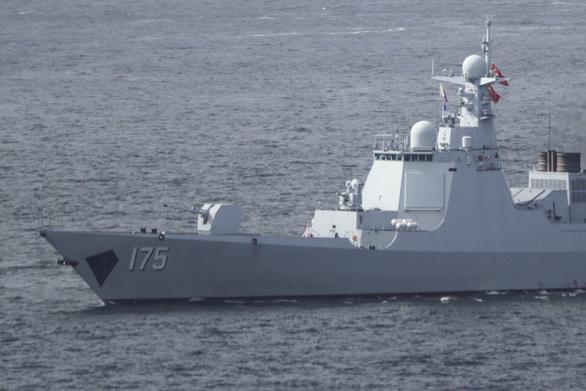 Bất chấp cảnh báo của Mỹ, Trung Quốc tung tin đóng tàu khủng tuần tra Hoàng Sa - Ảnh 2.