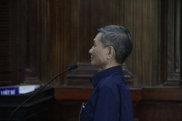 Ký vượt thẩm quyền, nguyên giám đốc công ty dệt kim Đông Phương hầu toà - Ảnh 1.