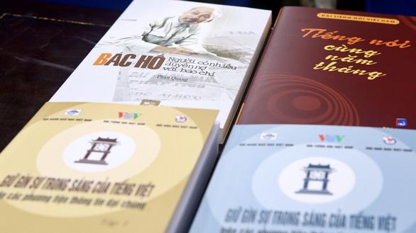 Ra mắt sách Bác Hồ - Người có nhiều duyên nợ với báo chí - Ảnh 1.