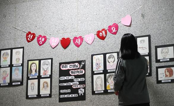 Giáo viên Hàn Quốc chán nản vì bị mắng chửi, bị quấy rối tình dục - Ảnh 2.