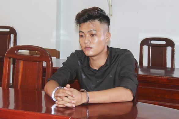 Bênh con, người cha bị đâm chết vì một vụ va quẹt xe nhẹ - Ảnh 1.