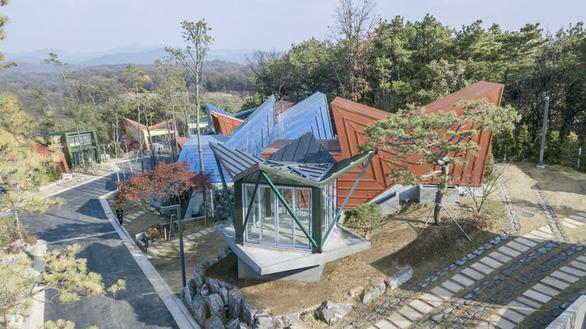 Kiến trúc lạ mắt của khu nhà ở đầy màu sắc tại Hàn Quốc - Ảnh 5.