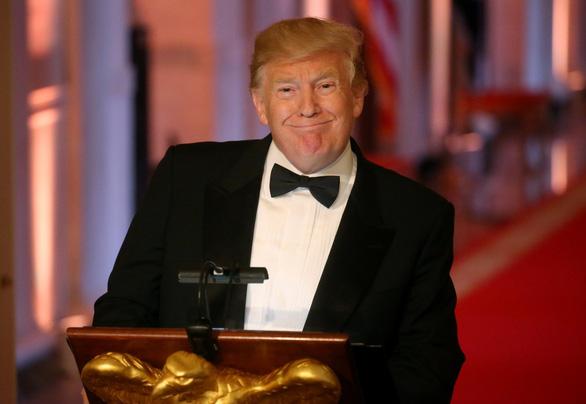 Đề xuất nhập cư mới của ông Trump: ưu tiên kỹ năng hơn đoàn tụ gia đình - Ảnh 1.