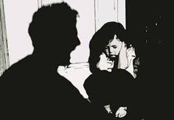 Khởi tố ông lão 79 tuổi nghi dâm ô bé gái 8 tuổi - Ảnh 1.