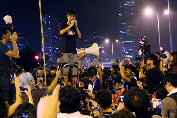 Thủ lĩnh sinh viên Hoàng Chi Phong lại bị bắt vào tù - Ảnh 2.
