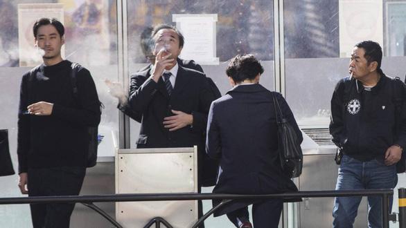 Không hút thuốc trở thành lợi thế khi xin việc tại Nhật - Ảnh 1.