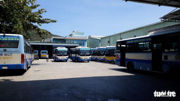 Xe buýt Nha Trang ngưng chuyến vì tài xế đình công - Ảnh 3.