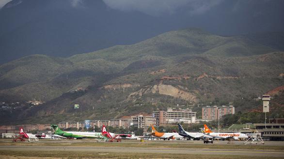 Mỹ ngừng mọi chuyến bay tới Venezuela - Ảnh 1.