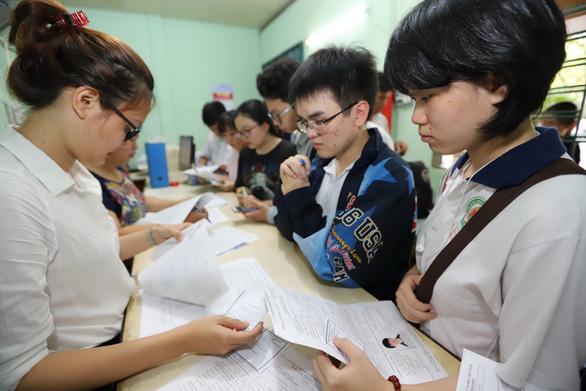 Thi mà 95-97% học sinh đậu tốt nghiệp thì có cần thi THPT quốc gia? - Ảnh 1.