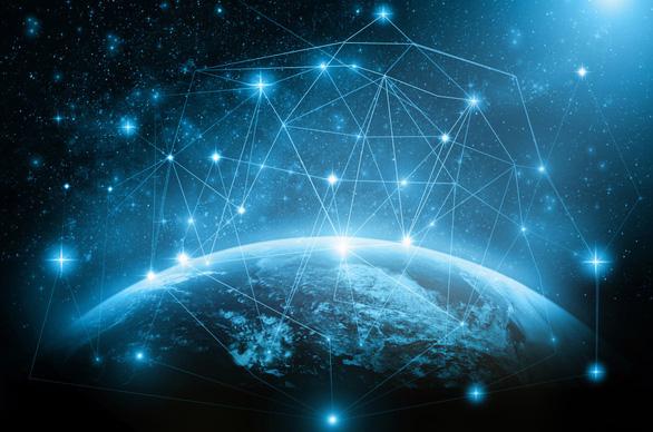 SpaceX phóng 60 vệ tinh đầu tiên trong dự án cung cấp internet từ vũ trụ - Ảnh 1.