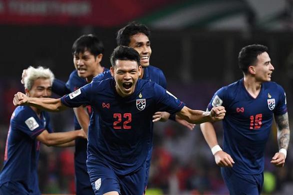 HLV Thái Lan đau đầu vì 6 cầu thủ Buriram phải tập trung trễ - Ảnh 1.