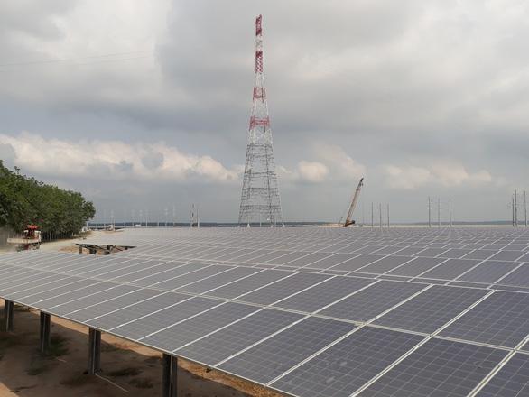 Các đại gia điện mặt trời chạy đua hưởng giá  9,36 cent/kWh - Ảnh 1.