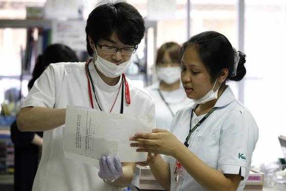 Nhật Bản nới lỏng thị thực cho các điều dưỡng viên nước ngoài - Ảnh 1.