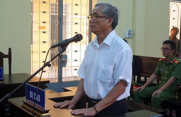 Cựu giáo viên giao cấu với học sinh cũ lãnh án 2 năm tù - Ảnh 1.