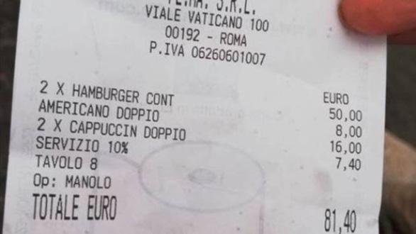 2 hamburger và 3 ly cà phê giá 2 triệu đồng, nhà hàng bị tẩy chay - Ảnh 1.
