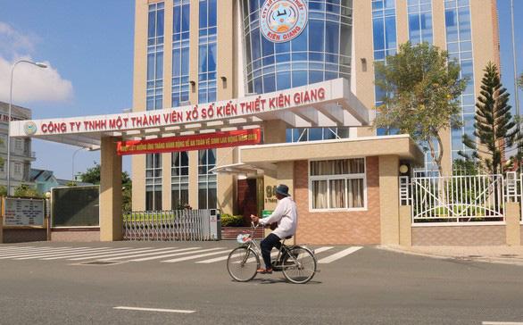Chủ tịch tỉnh Kiên Giang: Đi nước ngoài học kinh nghiệm xổ số là đúng quy định - Ảnh 1.