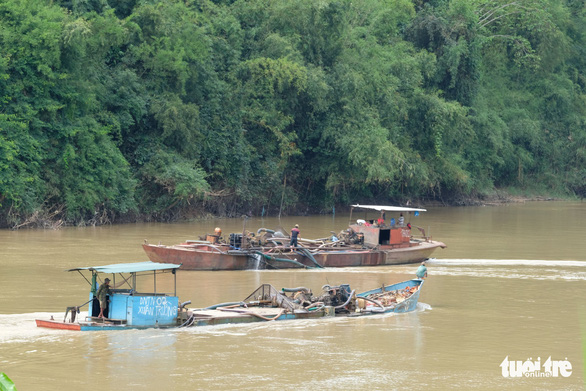 3 tỉnh cùng giám sát đặc biệt nạn cát tặc trên sông Đồng Nai - Ảnh 1.