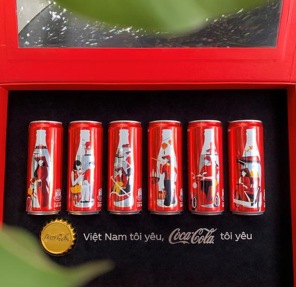 Coca - Cola đã khiến cộng đồng mạng dậy sóng với 6 chiếc lon đặc biệt - Ảnh 1.