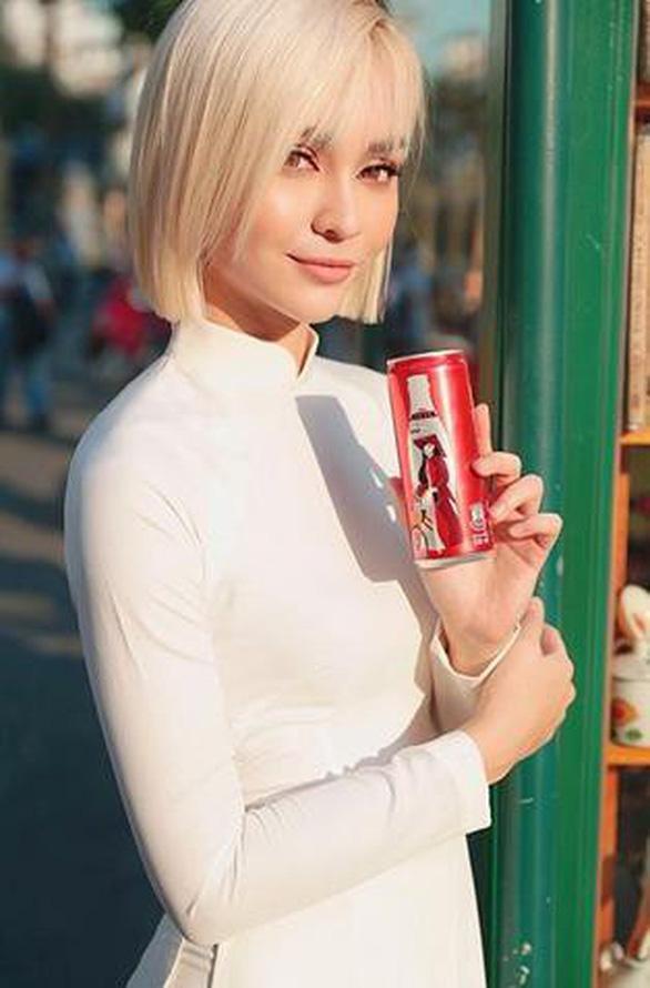 Coca - Cola đã khiến cộng đồng mạng dậy sóng với 6 chiếc lon đặc biệt - Ảnh 3.