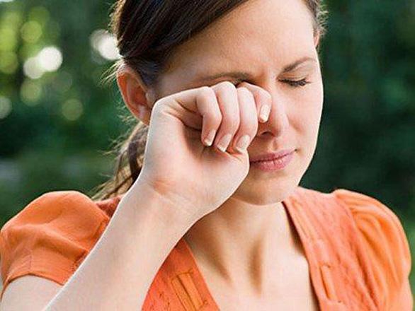 Những sai lầm dẫn đến khô mắt mà bạn không nhận ra - Ảnh 4.