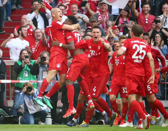 Đè bẹp Frankfurt, Bayern Munich lần thứ 29 vô địch Đức - Ảnh 3.