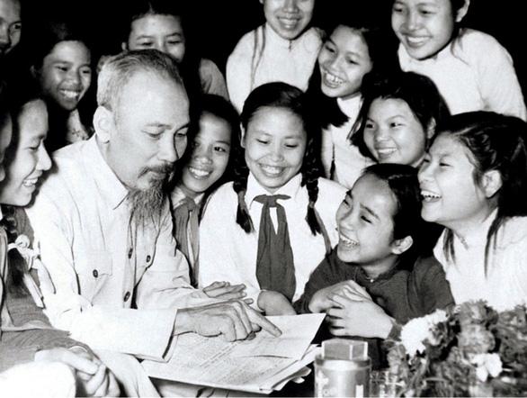50 năm di chúc Chủ tịch Hồ Chí Minh: Cán bộ phải có khả năng làm trong môi trường quốc tế - Ảnh 1.