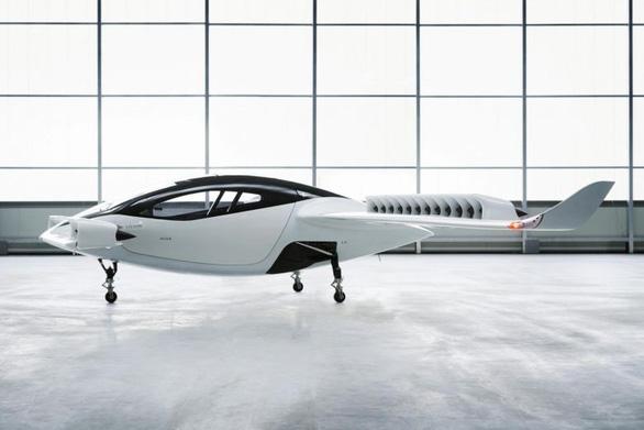 'Taxi bay' chạy  điện đầu tiên trên thế giới nhanh gấp 5 lần taxi - Ảnh 1.