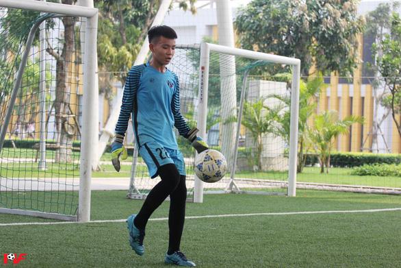 Cầu thủ nhí Việt Nam được giao lưu cùng huyền thoại Franz Beckenbauer - Ảnh 3.