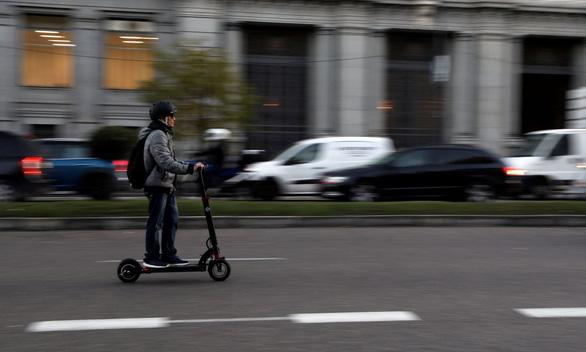 Đức bật đèn xanh cho xe scooter điện - Ảnh 1.
