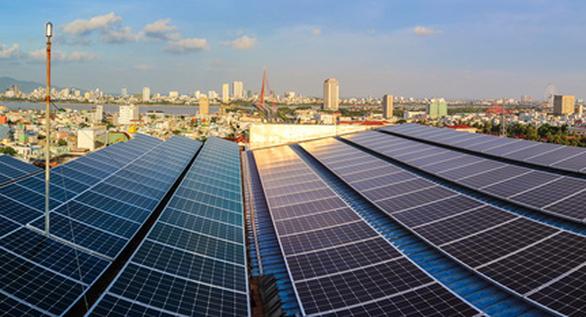 134 hộ dân tại miền Trung - Tây Nguyên được trả tiền bán điện mặt trời - Ảnh 1.