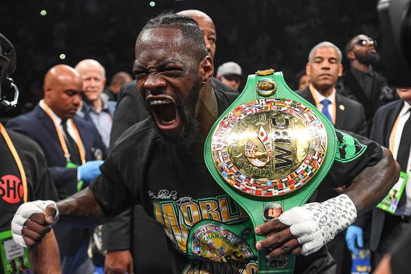 Wilder chỉ mất 123 giây để bảo vệ thành công đai vô địch WBC - Ảnh 1.