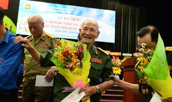 Cuộc hội ngộ xúc động của gần 1.000 cựu binh bộ đội Trường Sơn - Ảnh 4.