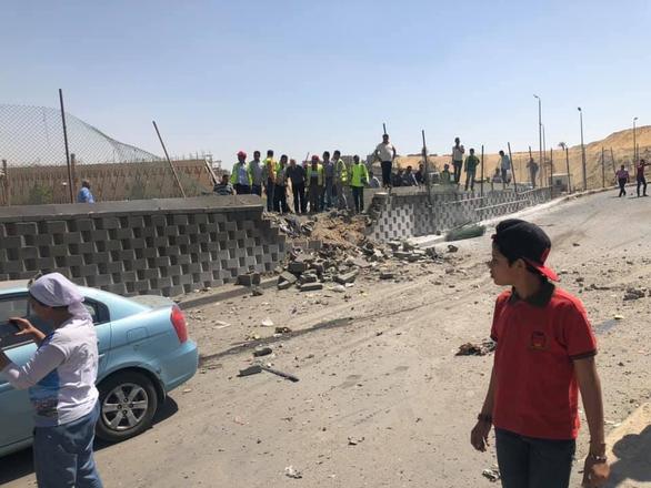 Xe chở du khách nước ngoài lại bị tấn công ở Ai Cập - Ảnh 6.
