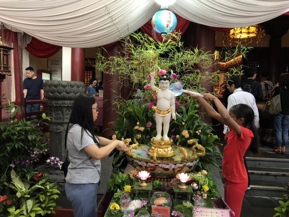 Phật tử nhiều nước thành kính tưởng niệm ngày Phật Đản - Ảnh 5.