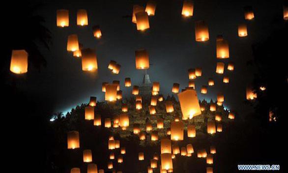 Phật tử nhiều nước thành kính tưởng niệm ngày Phật Đản - Ảnh 4.